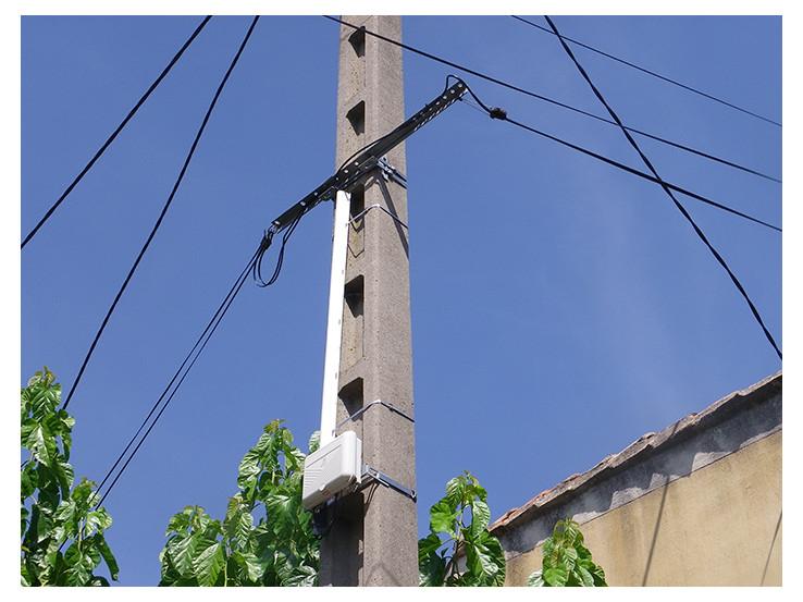 Bracket for DP boxes on alveolar concrete poles BEV