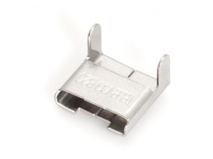 Standard buckles for pole bands