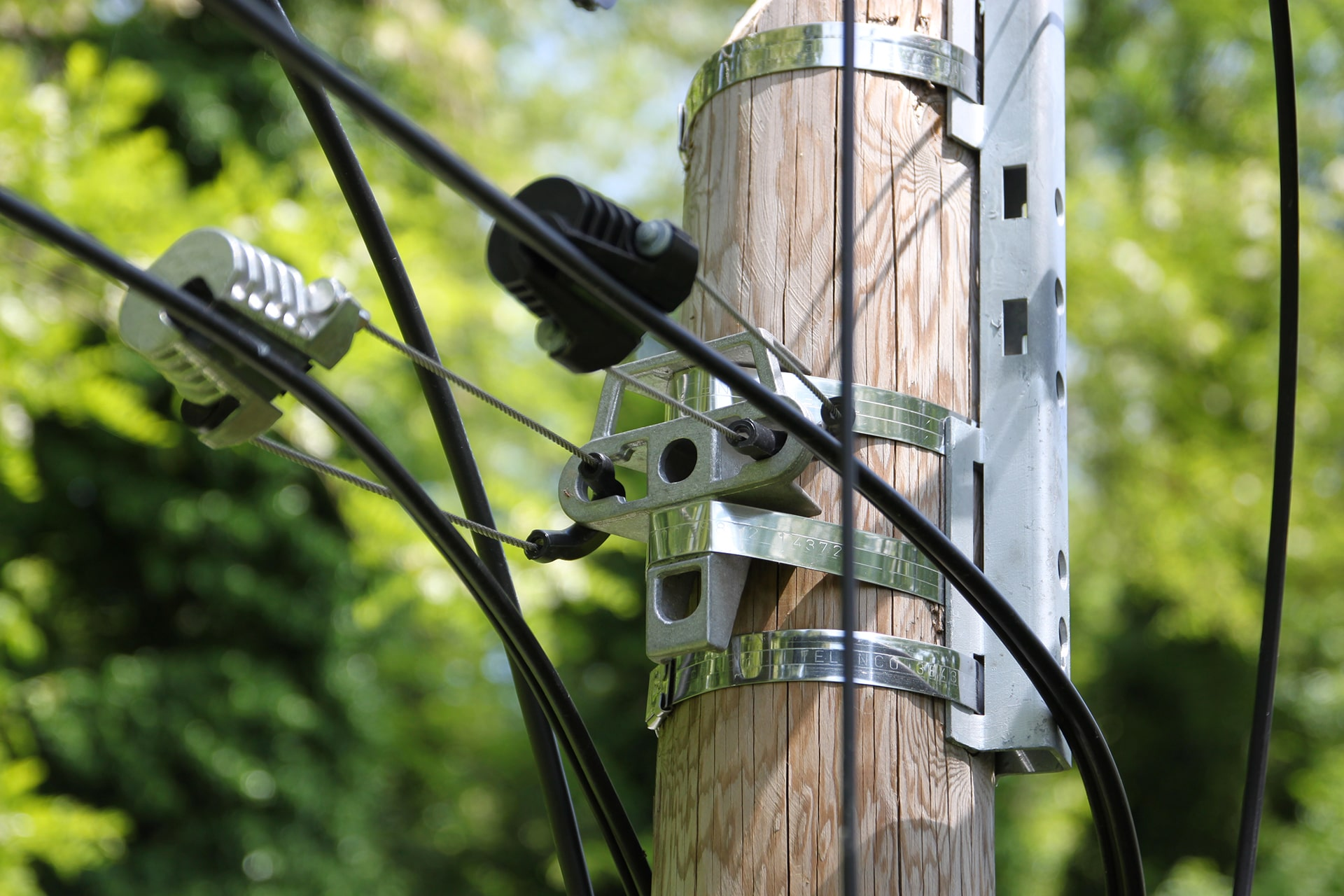 pole line hardware for developing overhead FTTH infrastructure